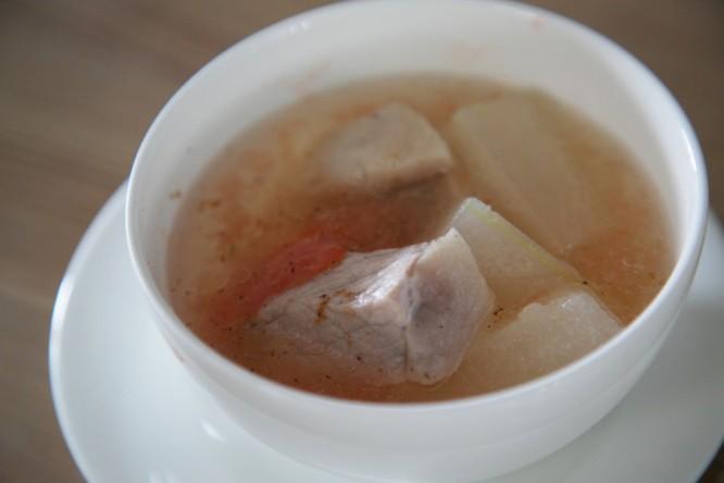 豚と冬瓜のスープ